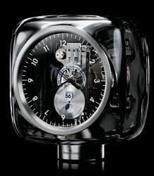 Die Atmos 561 stammt aus der Feder des zeitgenössischen Designers Marc Newson. Preis: 14 900 Euro