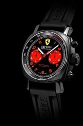 Verstärkte Bezüge zwischen Auto und Uhr: Chronograph 45 mit DLC-beschichtetem Gehäuse