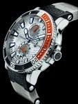 Dank Titan jetzt leichter: Maxi Marine Diver Chronograph