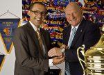 Martin Bärtsch, Geschäftsführer von Cimier, freut sich über seinen neuen Markenbotschafter Karl Odermatt