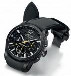 Konsequent: Gehäuse, Blatt und kautschuküberzogenes Lederband in Schwarz – so macht der Belisar Chronograph immer eine gute Figur