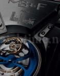 Saphirglas gibt Einblicke, und auf beiden Seiten der Uhr lohnt der Blick hindurch
