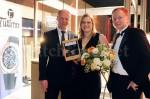 Jenny Wolf mit Tutima Geschäftsführer Jörg Delecate (l.) und MDR Kommunikations-Chef Dirk Thärichen