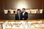 Omega-Botschafter Apolo Anton Ohno besuchte mit seinem Vater den New Yorker Flagship-Store