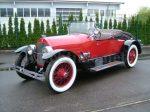 Der Stutz Bearcat Roadster trägt als ältestes Fahrzeug des Feldes die Startnummer 1