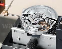 Strenge Kriterien: Dank zahlreicher Kontrollen schaffen 95 Prozent der B01-Werke die Chronometerprüfung