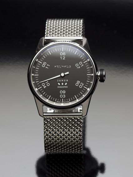 Erstes Modell der neuen deutschen Uhrenmarke Neuhaus