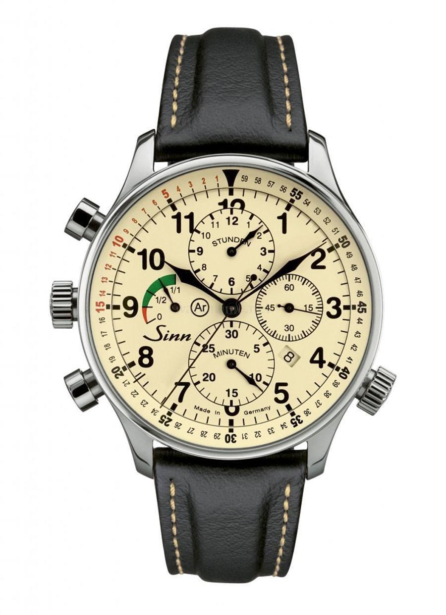 Die Countdown-Lünette des Rallye-Chronographen 917 von Sinn Spezialuhren ist beidseitig drehbar und wird über die Krone bei vier Uhr gesteuert.