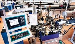 Fertigung: Für jedes herzustellende Teil muss ein Fertigungsprogramm geschrieben werden, das die Automaten dann umsetzen