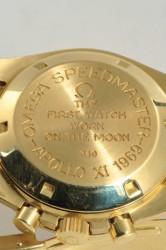 """""""The first watch worn on the moon"""": Mit dieser Gravur beginnt der Mythos Moonwatch"""