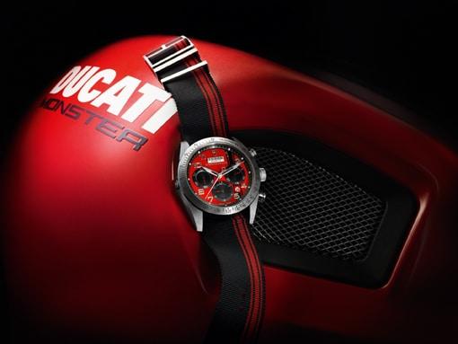 Uhr zum Motorrad: die Fastrider Ducati von Tudor