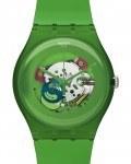 Bunte Swatch-Uhr mit freigelegtem Werk