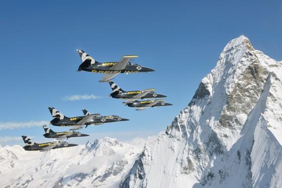 Die Uhrenmarke Breitling betreibt eine eigene Jet-Kunststaffel