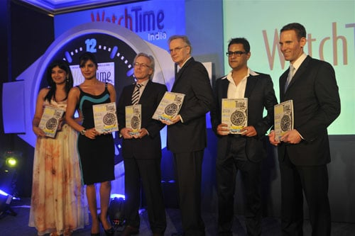 (V.l.) Neha S. Bajpai (Chefredakteurin WatchTime India), Priyanka Chopra (Bollywood-Schauspielerin), Gerrit Klein (Geschäftsführer Ebner Verlag), Joe Thompson (Chefredakteur WatchTime USA), Riyad Mathew (Mit-Inhaber Malayale Manorama), Dominik Grau (Managing Director und Publisher WatchTime USA)