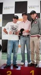 Neuer Graham-Markenbotschafter: Rennfahrer Mario Dominguez (mitte)