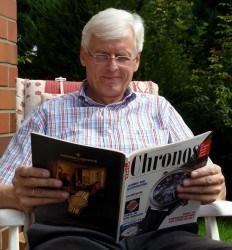 Hans-Werner Bruns mit der ersten Chronos von 1992