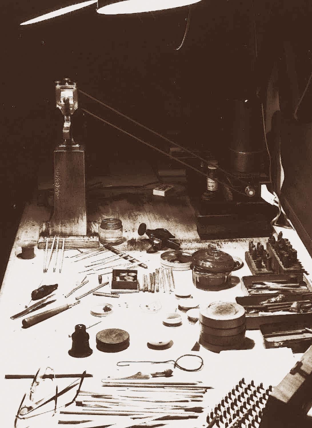 Historischer Arbeitsplatz Uhrensteine