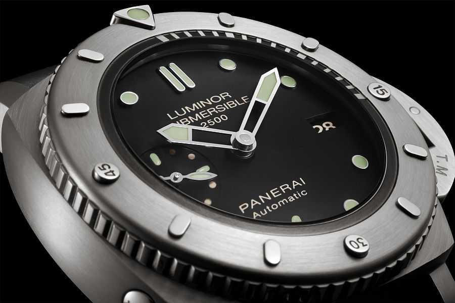 Panerai Submersible 1950 2500m 3 Days Automatic Titanio