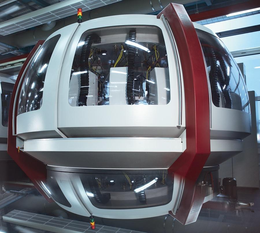 In den UFO-artigen Modulen befinden sich CNC-Maschinen, mit denen Brücken und Platinen gefertigt werden