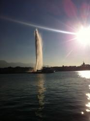 Die Jet d'eau genannte Fontäne erhebt sich 140 Meter über den Genfersee.