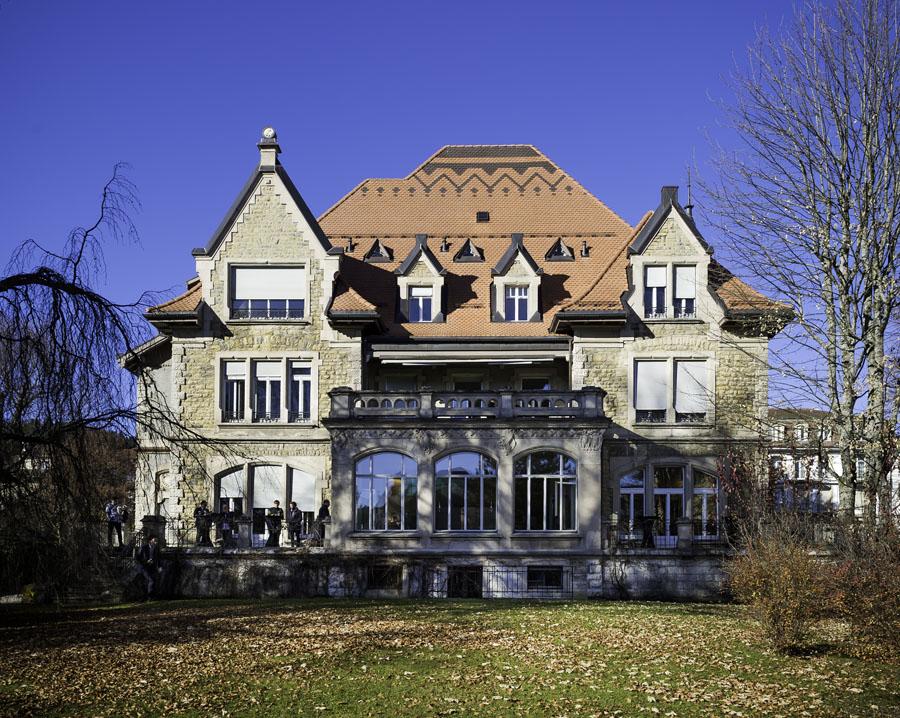 In der einstigen Villa Schwob, heute Villa JeanRichard, richtete die Marke ein Museum für Uhrmacherwerkzeuge ein