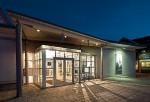 In einem »Pavillon« genannten Gebäude ist  das Deutsche Uhrenmuseum seit 1959 untergebracht. Die Bezeichnung täuscht: Auf 1.400 Quadratmetern Fläche präsentieren sich dort etwa 2.500 Exponate
