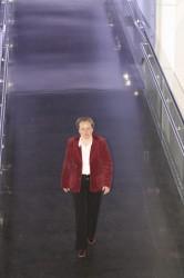 Martina Richter, leitende Redakteurin Technik beim UHREN-MAGAZIN, schreitet zur Tat. Sie verleiht erstmals die Goldmedaille Technik.
