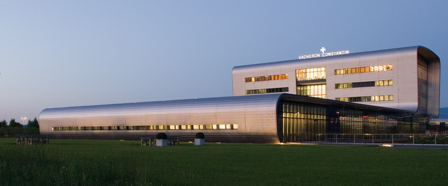 Das Herz: 2004 wurde die von Bernard Tschumi entworfene Manufaktur in Plan-les-Ouates eröffnet.