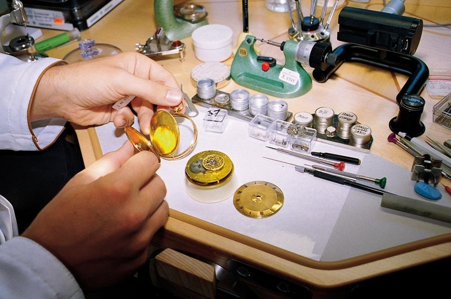 Vacheron Constantin ist in der Lage, auch sehr alte Uhren der Marke zu reparieren - wie diese um 1810 gebaute Taschenuhr mit 20-linigem Werk.
