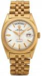 Ur-Modell von 1956: Die massiv goldene Day-Date am Jubilee-Band trägt das legendäre Knickblatt mit der vertieften Minuterie. Diese Blätter werden bis in die 70er-Jahre verwendet