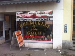 Auch dieser kleine Einzelhändler versucht, einen Krümel vom großen Kuchen der Uhrenindustrie abzubekommen.