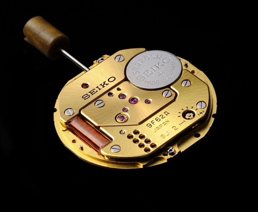 Das Grand Seiko Hochpräzisionswerk 9F62 bietet eine Ganggenauigkeit von +/- 5 Sekunden pro Jahr