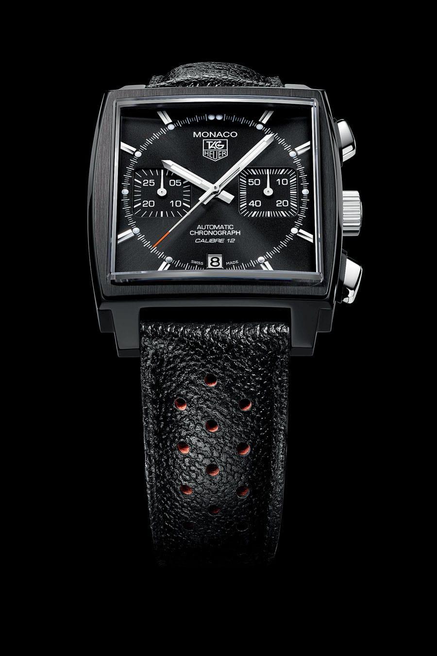 Anders als sein Vorgänger von 2012, der Akzente in Weiß und Orange bietet, hält sich dieser Monaco-Chronograph bedeckt.