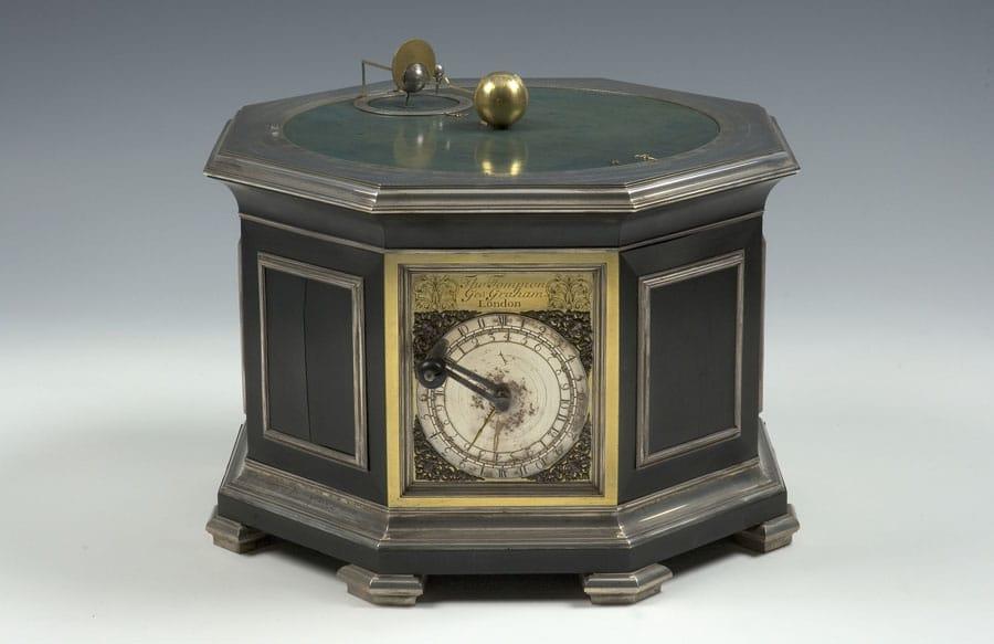Vorbild für die Armbanduhr: vom englischen Meisteruhrmacher George Graham gebaute Tischuhr