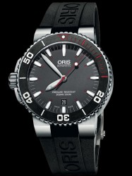 Taucheruhr 2014: Oris Aquis Red Limited Edition Kautschukband
