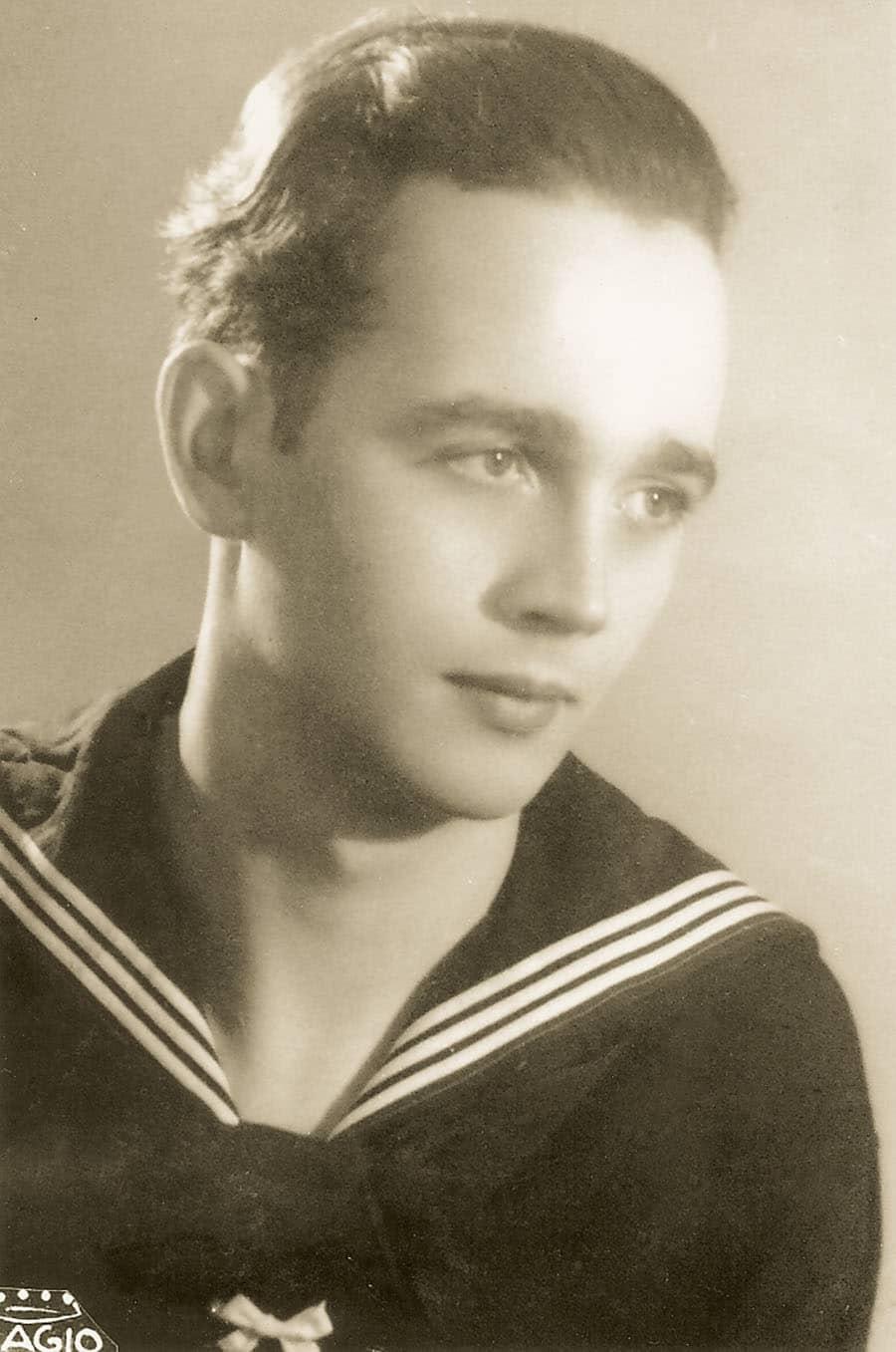 Heinz Pape im Jahr 1944 in seiner Marine-Uniform. Foto: Archiv Ehlers & Wiegmann