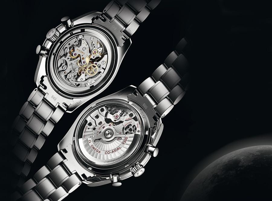 Omega setzt in der Speedmaster-Linie auf beides: Professional Moonwatch mit Nocken (oben) und Moonwatch Co-Axial mit Schaltrad