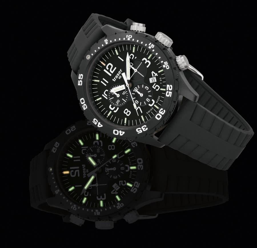 traser® H3 Officer Chronograph Pro (Tages- und Nachtaufnahme)
