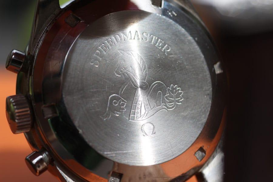 Omega: Gravierter Gehäuseboden der Speedmaster von 1961