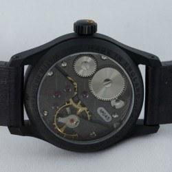 Das Uhrwerk: auch durch den Saphirglasboden sichtbar