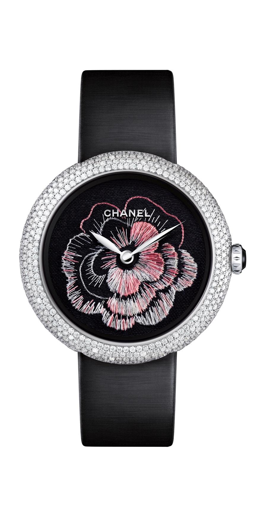 Chanel: Camélia Brodé