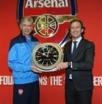 Jeanrichard und FC Arsenal: Arsène Wenger, Trainer des FC Arsenal, und Bruno Grande, CEO Jeanrichard