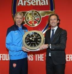JeanRichard und FC Arsenal: Trainer Arsène Wenger mit Bruno Grande, CEO Jeanrichard