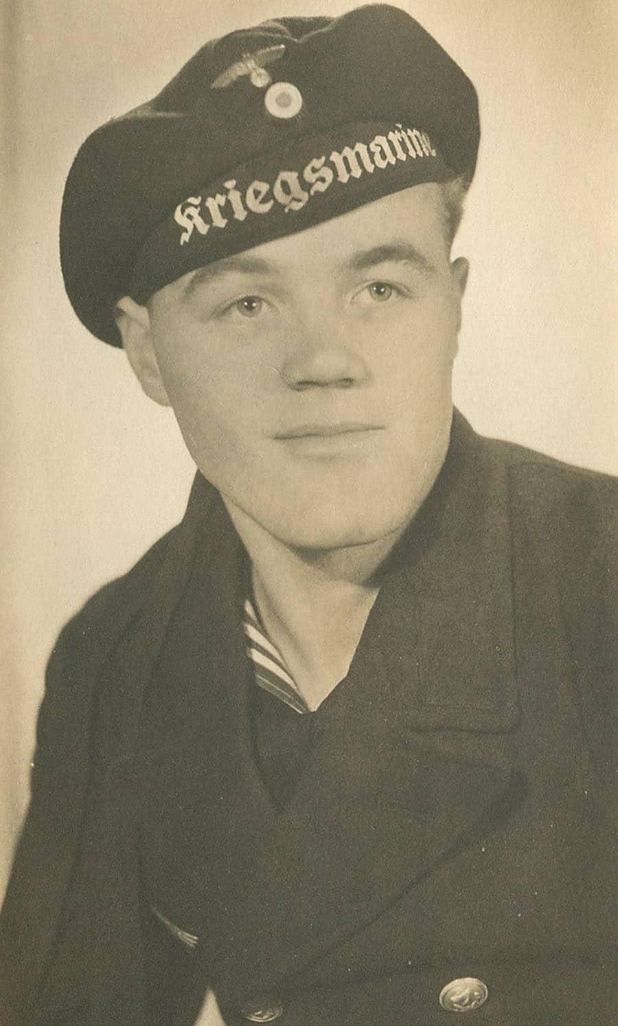 Nach dem 2. Weltkrieg war Jochen Burnus als Bergungstaucher im Hamburger Hafen tätig. Er wurde 1949 der 2. Besitzer der Köneke-Radiomir. (Foto: Jochen Burnus)