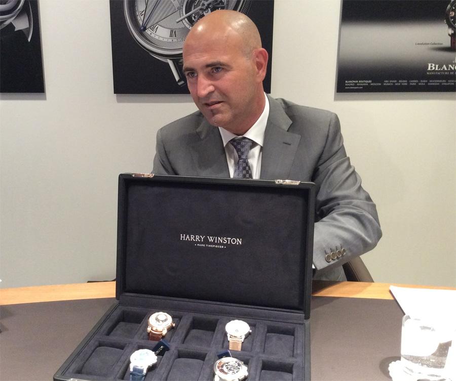 Marc A. Hayek zeigt Harry-Winston-Modelle, Baselworld 2014