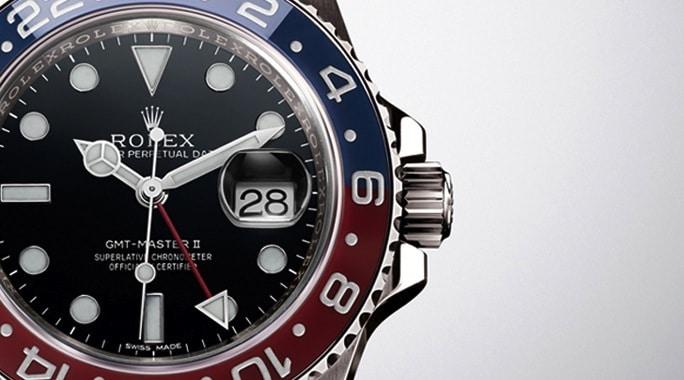 Die Rolex: Oyster Perpetual GMT-Master II besitzt eine zweifarbige Keramiklünette.