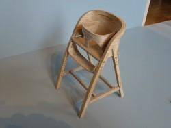 Miniatur des von Katie Walker entworfenen und gebauten Hochstuhls für Prince George