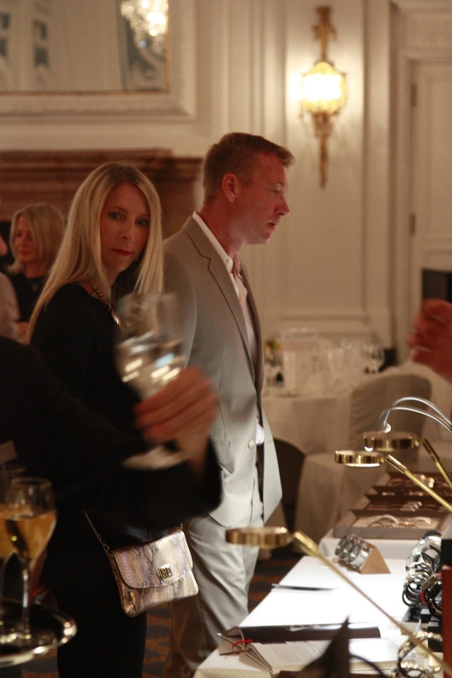 Die Gäste haben ab 16 Uhr Zeit, sich die Uhren anzusehen und mit den Marken in Kontakt zu treten.