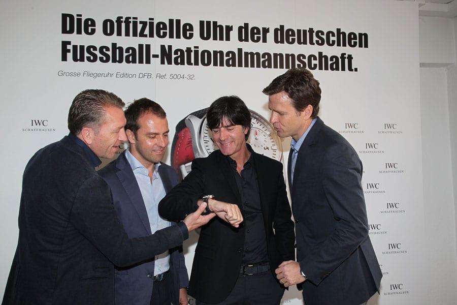 Bierhoff mit dem DFB-Trainerteam Joachim Löw, Hansi Flick und Andreas Köpke (von rechts)