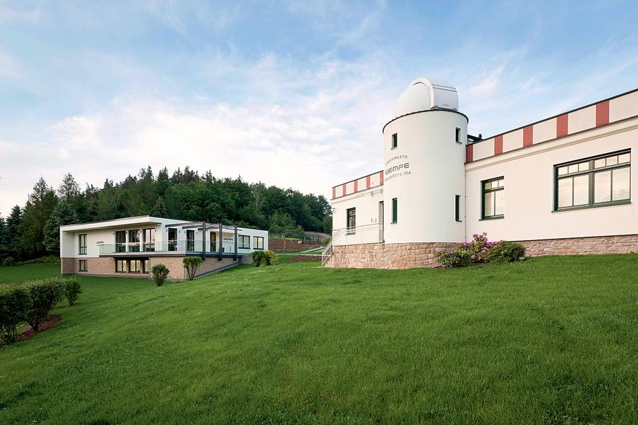 Wempe Chronometerwerke: Heute steht neben</br>der Sternwarte in Glashütte ein Neubau